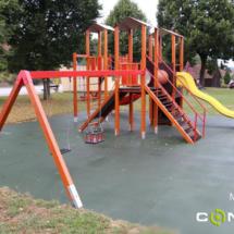 dopadová plocha dětské hřiště